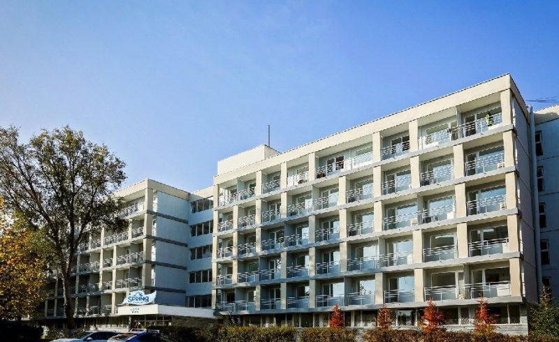 complex-hotelier-spring-holidayfostul-hotel-clabucet-si-fostul-hotel-prahova-29b94cab4c0c6a6f8276e13bee651a3c